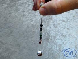 Eksklusivt pendul med kvarts og chakra sten