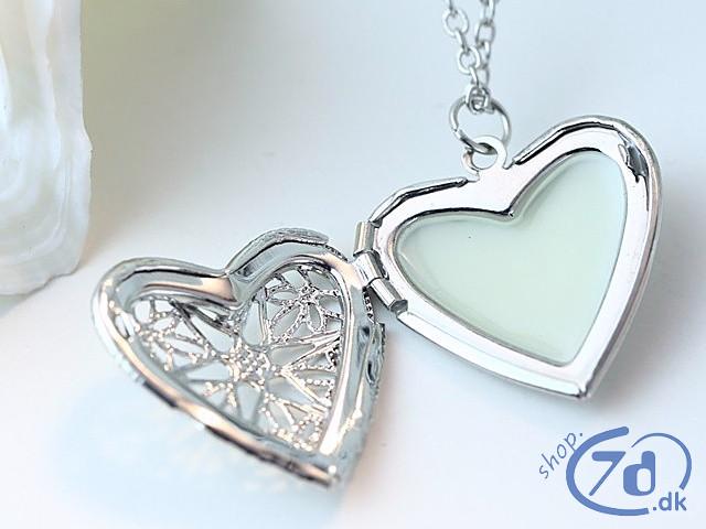 Selvlysende Hjerte med låge